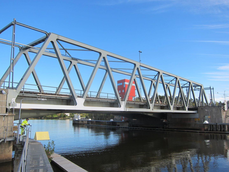 Kvicksund järnvägsbro