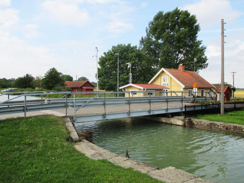 Ljung västra kanalbro